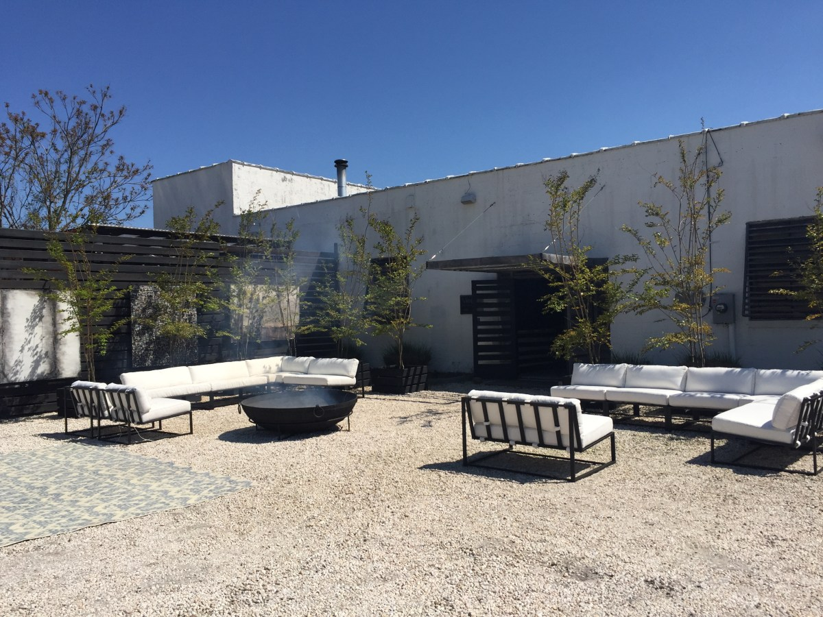 goa-outdoor-seating-verellen-highpoint-1