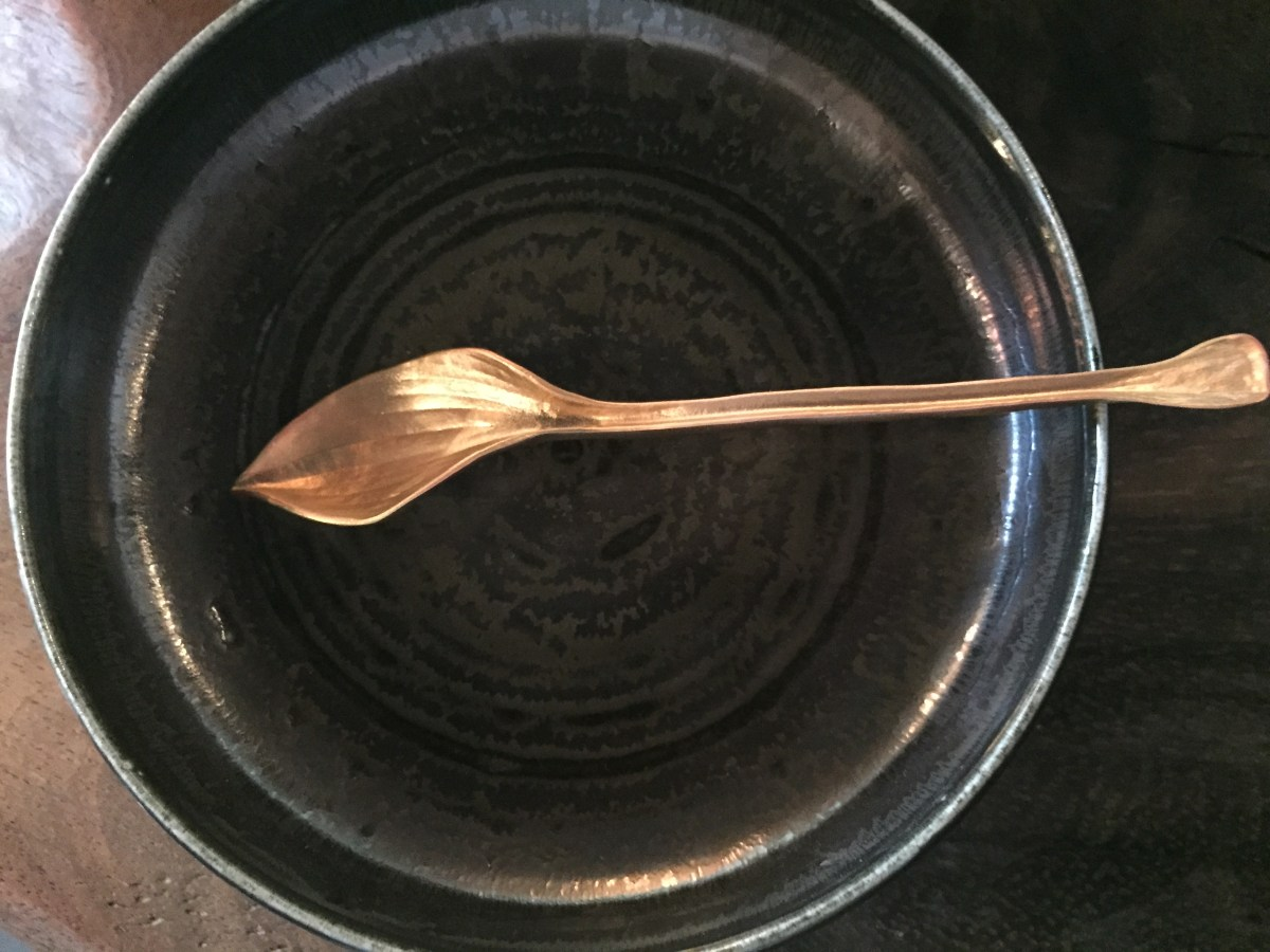 charcoal-low-bowl-hosta-spoon-artefacthome