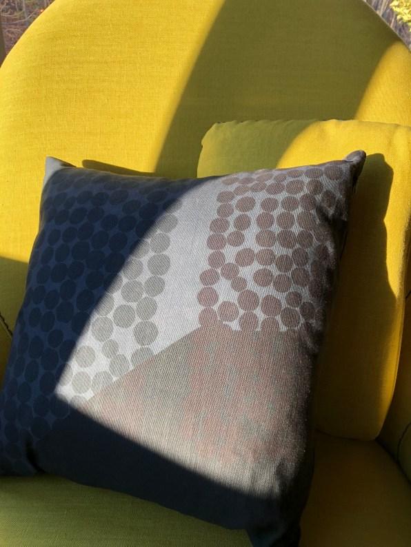 tx-poppy+dandy pillow 15@artefacthome