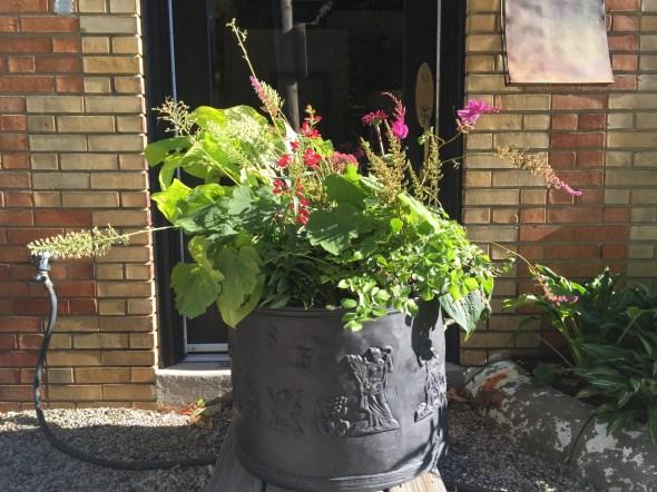 autumn planting-ladew planter-pennoyer newman@artefacthome