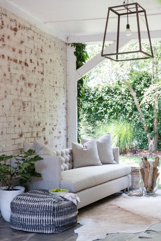 marilyn-condo-sofa-casual-linen-lifestyle-verellen-artefact-2
