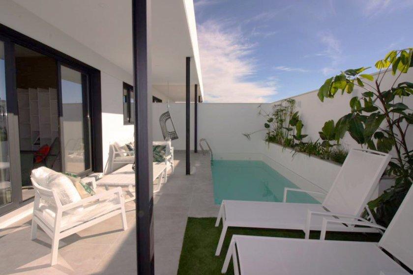 Exterior vivienda diseño minimalista