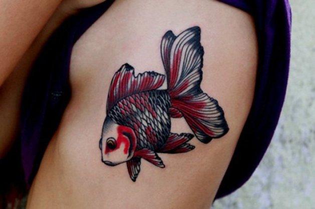 ejemplos tatuajes de peces blanco y negro 5