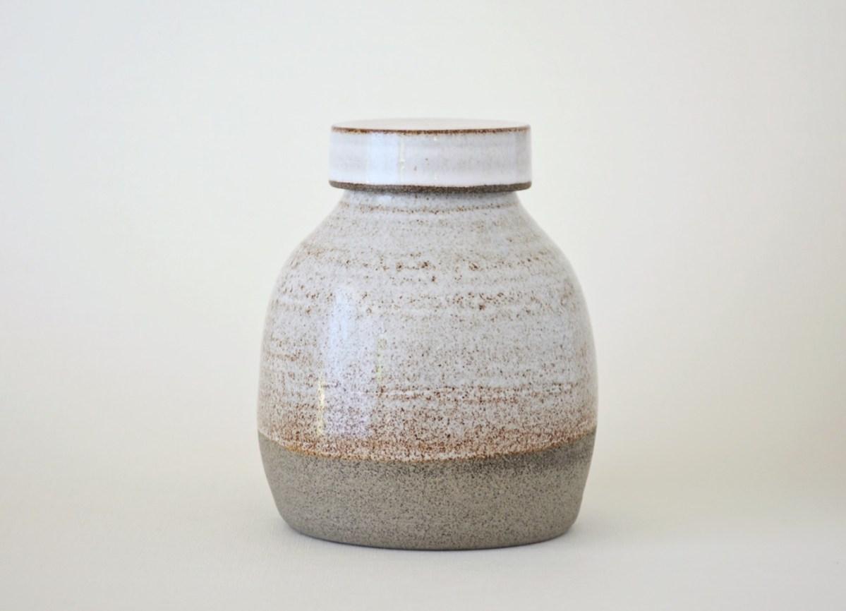 Artemis Verno urne wit 700 ml