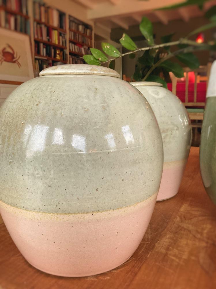 Custom-made ceramic urns