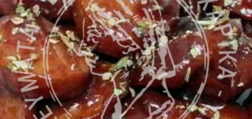 Χωριάτικα λουκάνικα με σάλτσα ουΐσκι