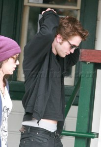 ROBERT PATTINSON ET SHANNON- BEVERLY HILLS