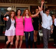 COMIC CON - LE CAST DE NEW  MOON PREND UN BAIN DE...