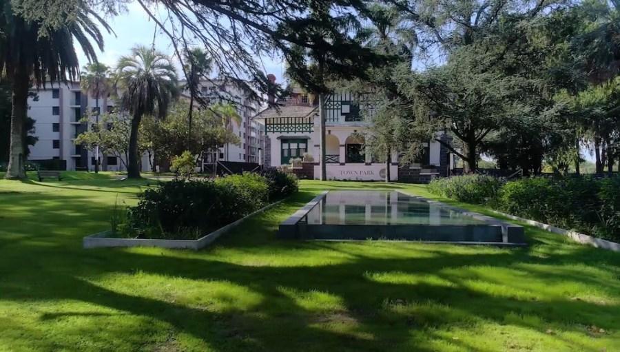 Town Park casona parque fuente