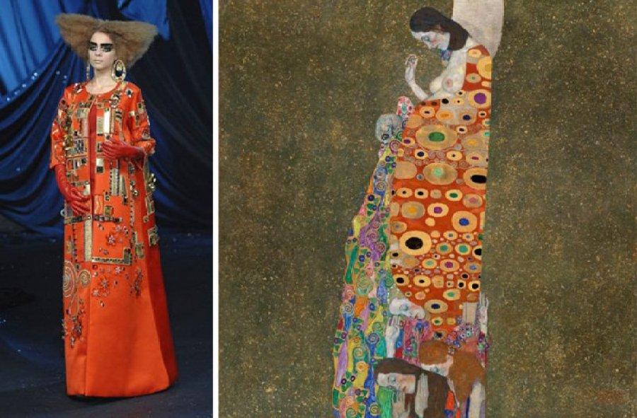 À esquerda, look da coleção Primavera 2008 da Dior; à direita, pintura de Gustav Klimt