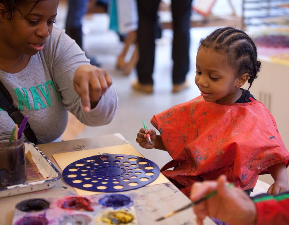 Como fazer seu filho se interessar por arte