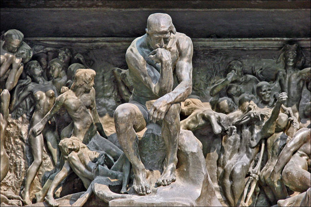 O pensador e a porta do inferno de Rodin