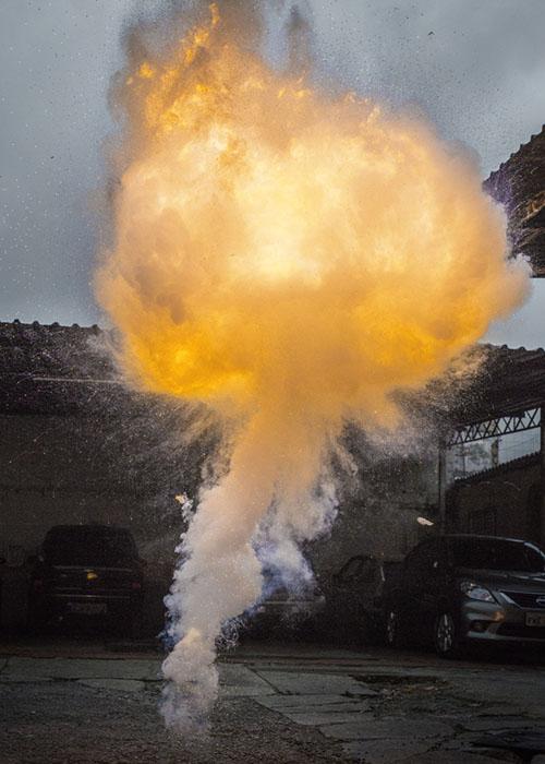 """Explosão 4. Mostra """"Sob Ataque""""  Grupo Garapa"""