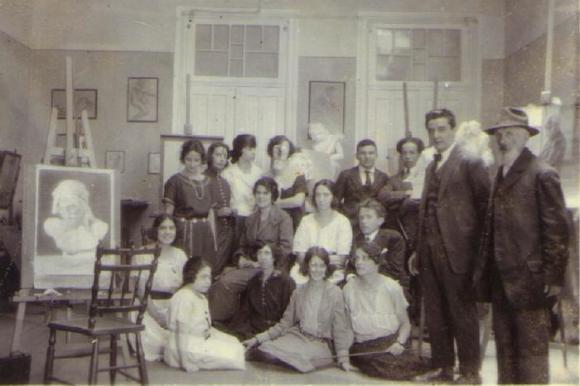 mulheres na história da arte; Alunos e professores do Instituto de Artes em 1925.