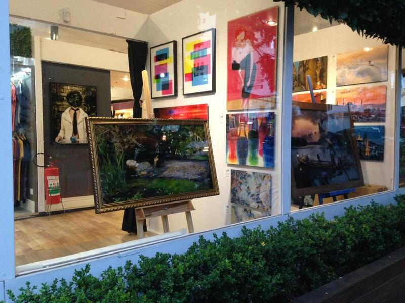 Photoarts Gallery; Oscar Freire