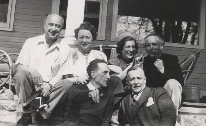 Fotografia rara em que Maria aparece junto a Duchamp