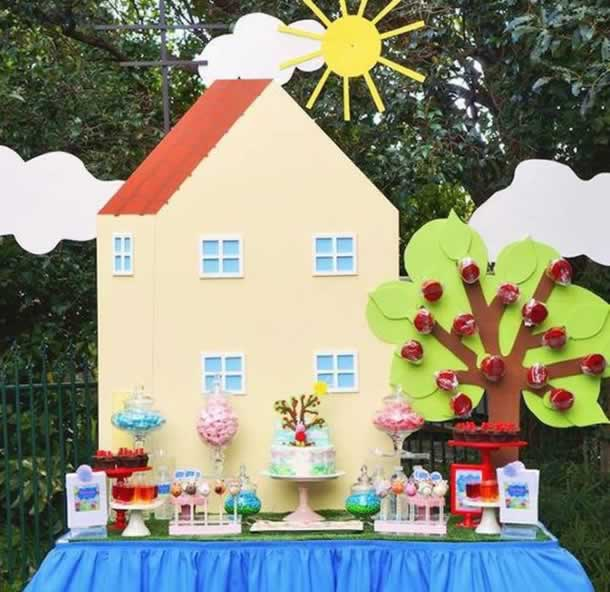 guloseimas-festa-infantil-simples-mesa-peppa-pig
