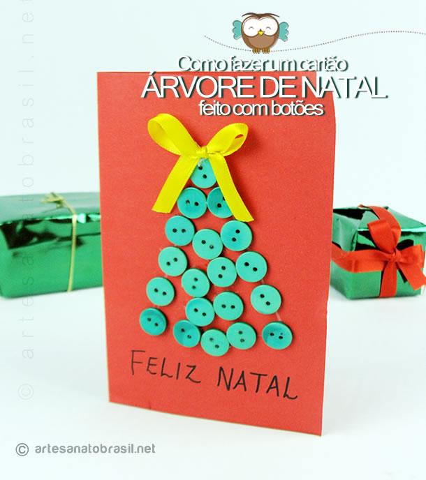 Cartão árvore de natal feito com botões