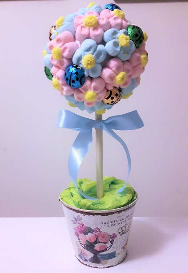 decoracao-com-marshmallow-topiario-flores