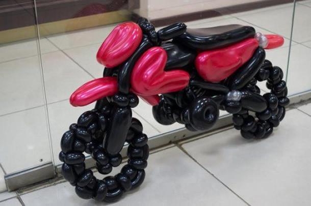 moto-de-bexiga-vermelha-preta