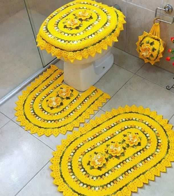 Tapete com barbante amarelo para banheiro