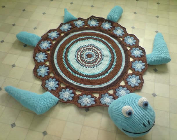 Tapete em barbante crochê tartaruga com mandala