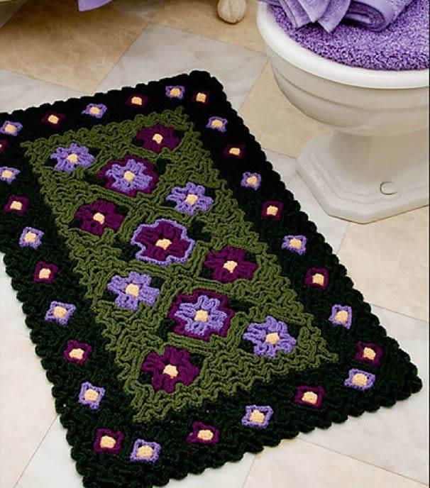 Tapete com barbante texturizado com flores