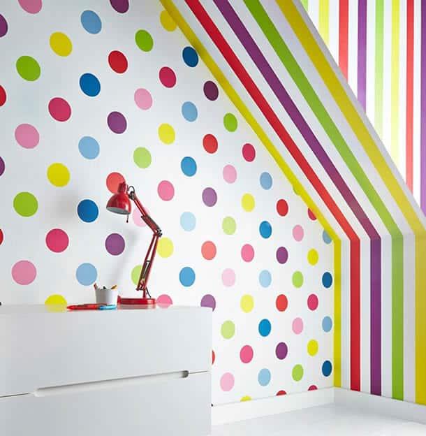 decoracao-de-parede-com-papel-bolinhas