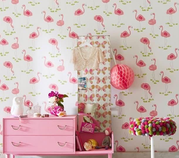 decoracao-de-parede-com-papel-flamingos