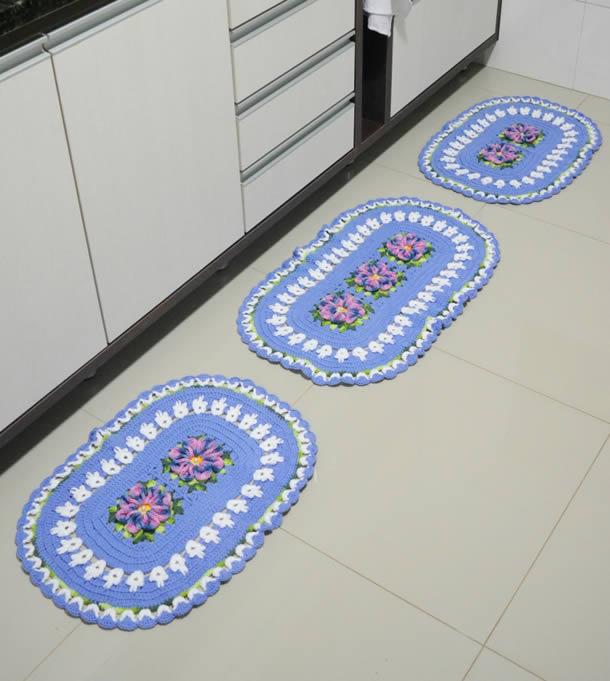 tapete-barbante-cozinha-azul