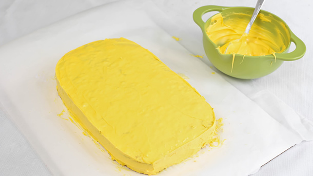 bolo-dos-minions-amarelo2
