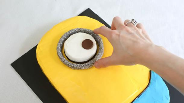 bolo-dos-minions-anel-prata