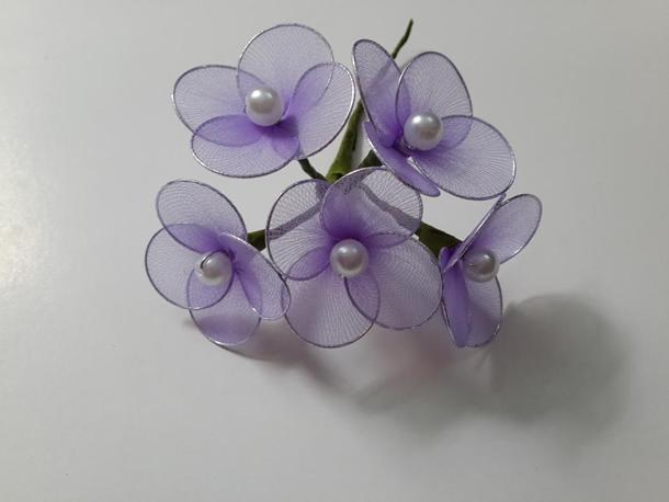 flores-de-meia-de-seda-simples