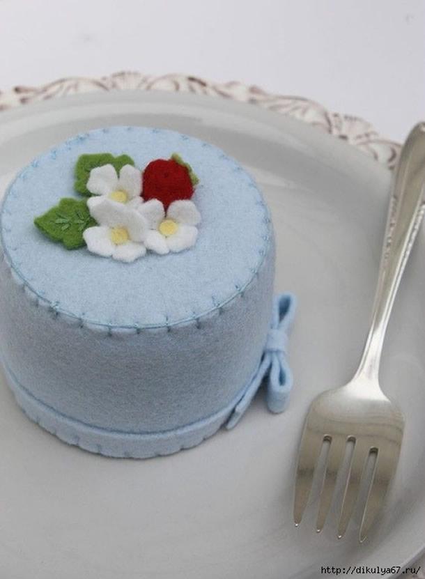 bolo-de-feltro-azul