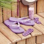 chinelo decorado botoes
