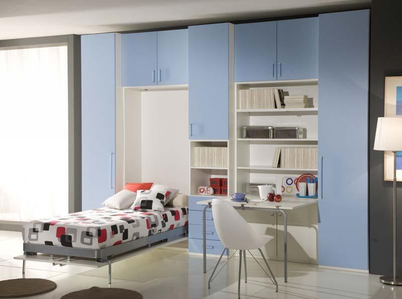 Quarto Azul com escritório, cama embutida.