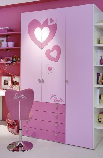 Quartos da Barbie e quarda roupa