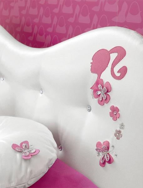 Quartos da Barbie, cabeceira decorada