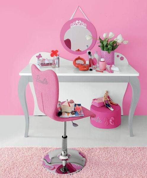 Mesa de maquilagem da Barbie