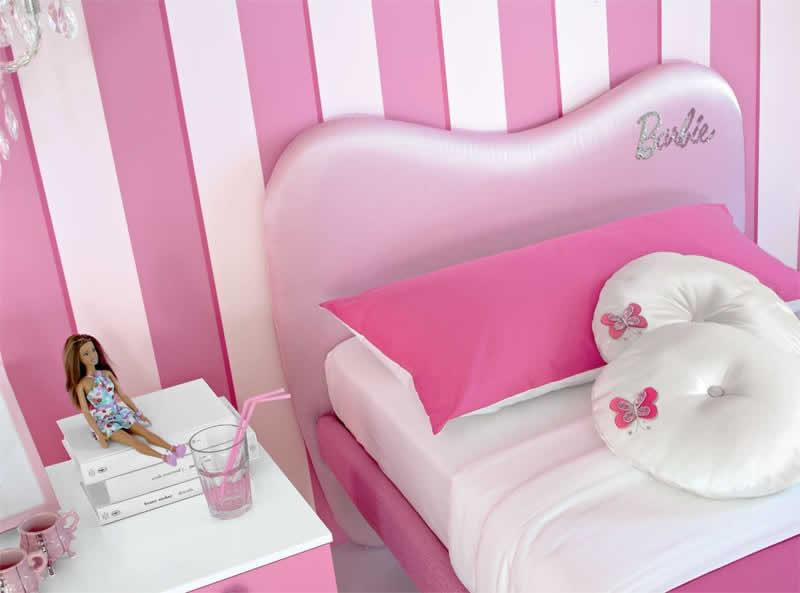 Detalhes: da cabeceira quarto da Barbie