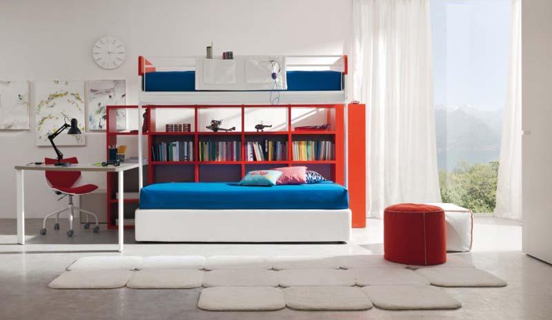 Quarto decorado com espaço aproveitado colorido.