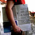 sacolas recicladas com jornal