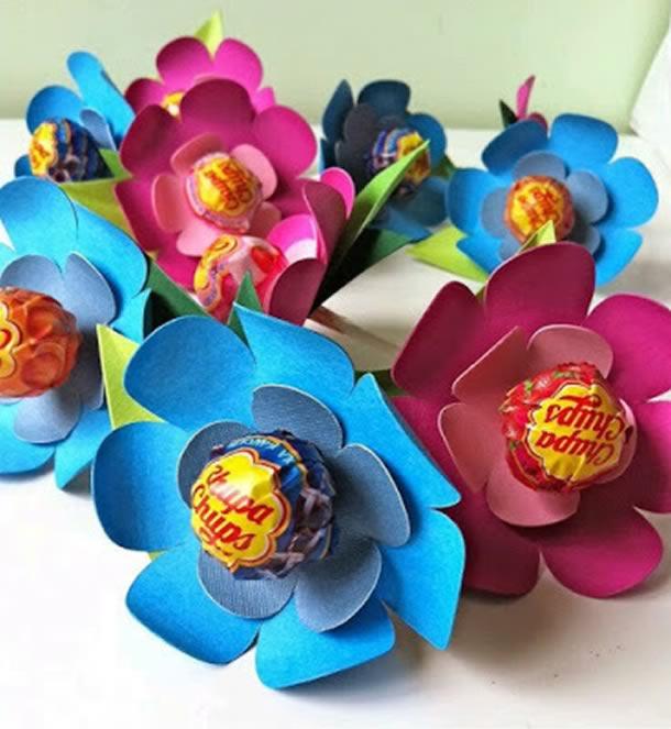 lembrancinha-com-pirulito-flores-eva