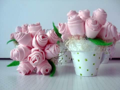 Lembrancinha dia das mães vasinhos de flores de tecido