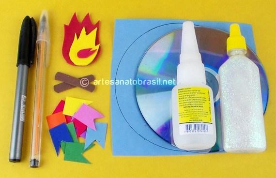 1.convite-festa-junina-com-reciclagem-de-cd