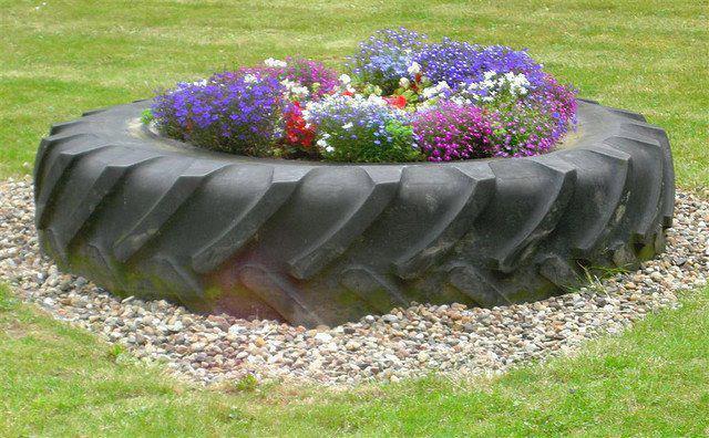 reciclagem-de-pneus-jardim-com-flores