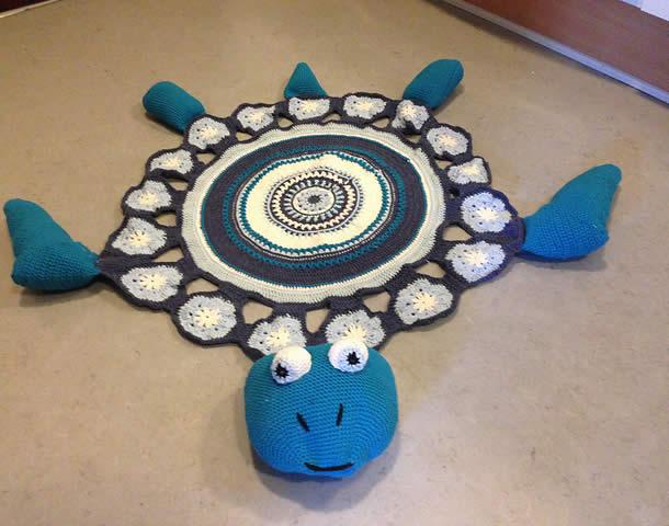 tapete-com-barbante-infantil-tartaruga-azul2