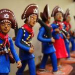 tipos-de-artesanato-brasileiro-bonecosbarro