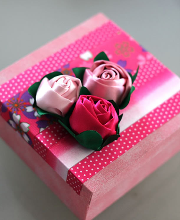 flor-de-fita-de-cetim-rosas2
