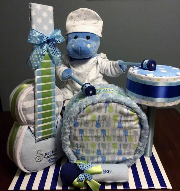 bolo-de-fraldas-azul-bateria
